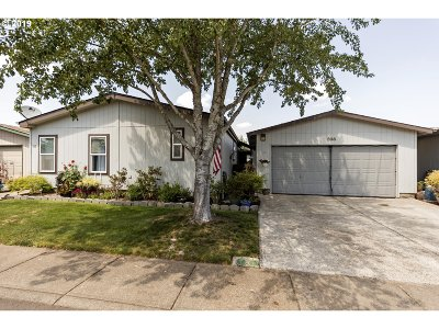 Woodburn Single Family Home For Sale: 503 Oats St