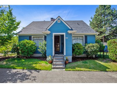 Portland Single Family Home For Sale: 3434 NE Siskiyou St