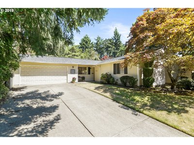 Portland Single Family Home For Sale: 8790 SW 90th Ave