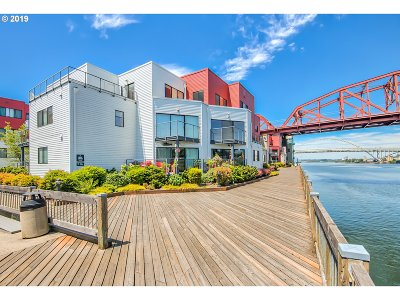Portland Condo/Townhouse For Sale: 940 NW Naito Pkwy #L6