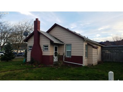 Sutherlin Single Family Home For Sale: 288 E Everett Ave