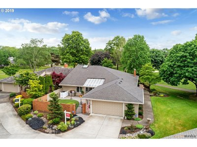 Wilsonville, Canby, Aurora Single Family Home For Sale: 32175 SW East Lake Pt