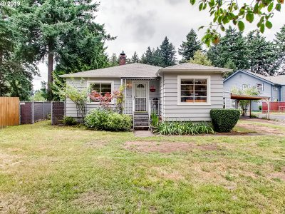Portland Single Family Home For Sale: 4033 SE 112th Ave