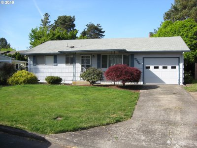 Woodburn Single Family Home For Sale: 2325 Oregon Ct