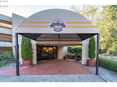 Portland Condo/Townhouse For Sale: 600 SE Marion St #110