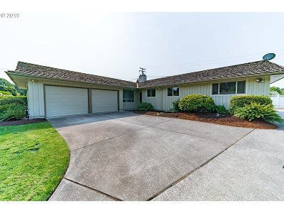 Stayton Single Family Home Bumpable Buyer: 744 E Hollister St
