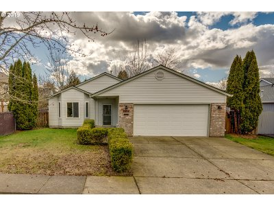 Hillsboro Single Family Home For Sale: 7092 SE Langwood St
