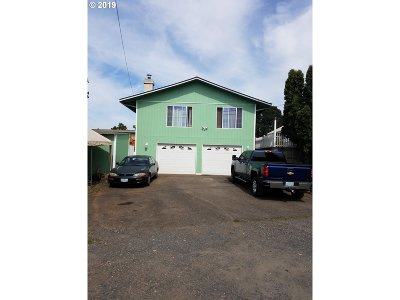Single Family Home For Sale: 153 Kelly St