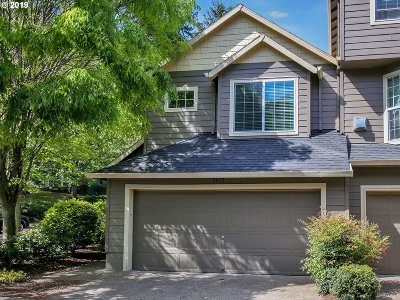 Tigard Single Family Home For Sale: 7917 SW Pickleweed Ln