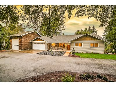 Lake Oswego Single Family Home For Sale: 8 Sherwood Ct