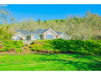 Roseburg Single Family Home For Sale: 7778 North Bank Rd