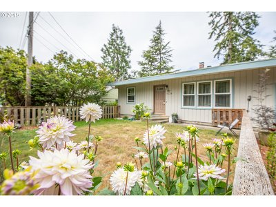 Coos Bay Single Family Home For Sale: 1685 N 17th St