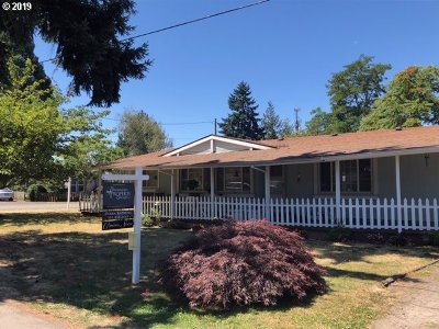 Molalla Single Family Home For Sale: 406 Metzler St