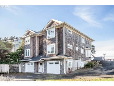 Condo/Townhouse For Sale: 48790 Breakers Blvd