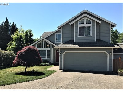 Oregon City Single Family Home For Sale: 19423 Daybreak Ct