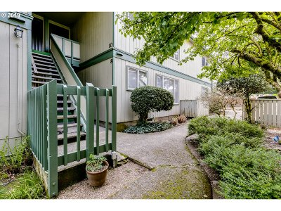 Eugene Condo/Townhouse For Sale: 600 Cherry Dr #10
