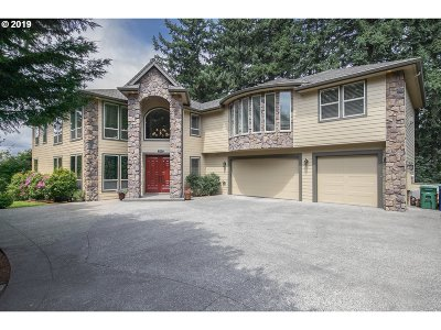 Happy Valley, Clackamas Single Family Home For Sale: 13735 SE Claremont St