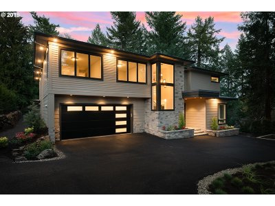 Lake Oswego Single Family Home For Sale: 3096 Wembley Park Rd