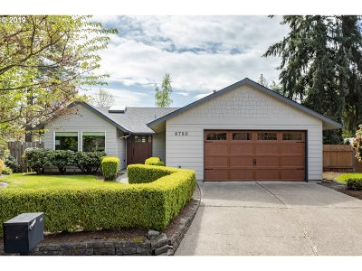 Portland Single Family Home For Sale: 8780 SW Bomar Ct