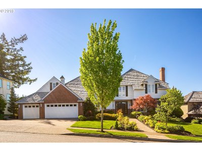 Portland Single Family Home For Sale: 2434 NW Pinnacle Dr