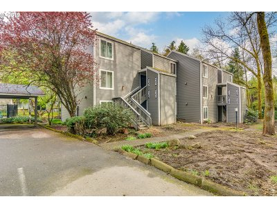Lake Oswego Condo/Townhouse For Sale: 4625 Lakeview Blvd