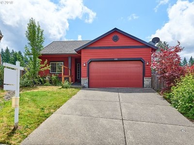 Estacada Single Family Home For Sale: 1230 NE Rockwell Dr