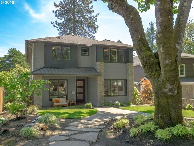 Lake Oswego Single Family Home For Sale: 725 5th St