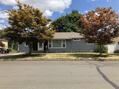 Forest Grove Single Family Home For Sale: 1529 Hawthorne St