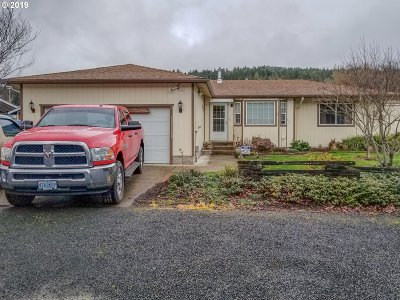 Sutherlin Single Family Home For Sale: 689 E First Ave