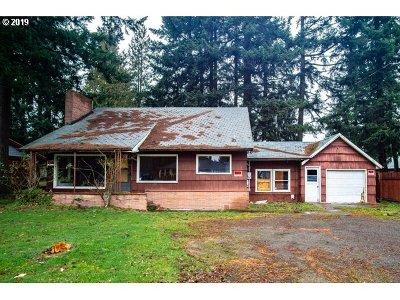 Single Family Home For Sale: 17111 NE Glisan St