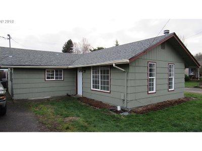 Cowlitz County Single Family Home For Sale: 209 John St