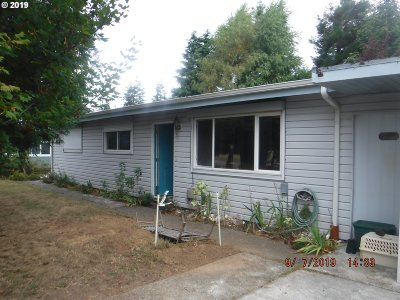 Coos Bay Single Family Home For Sale: 2730 33rd St