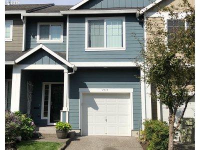 Hillsboro Single Family Home For Sale: 2743 SE 74th Way