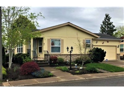 Eugene Single Family Home For Sale: 3220 Crescent Ave Space 2 #21