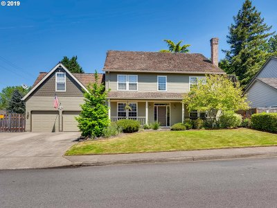 Milwaukie Single Family Home For Sale: 16398 SE Keystone Dr