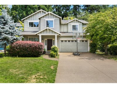 Portland Single Family Home For Sale: 10730 SW 43rd Ave