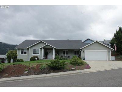 Myrtle Creek Single Family Home For Sale: 1319 NE Lisa Way