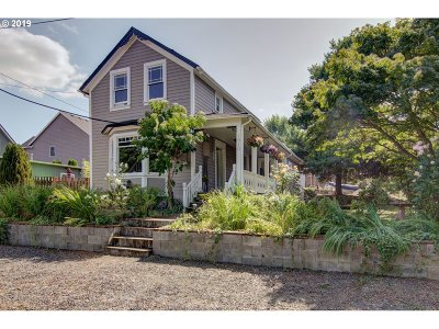 Oregon City Single Family Home For Sale: 1610 10th St