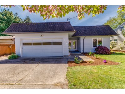 McMinnville Single Family Home For Sale: 750 NE 15th St