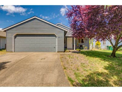 Forest Grove Single Family Home For Sale: 2817 13th Pl