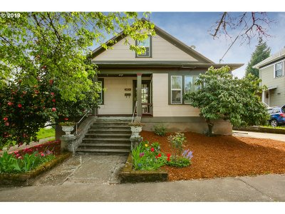 Portland Single Family Home For Sale: 3024 SE 8th Ave