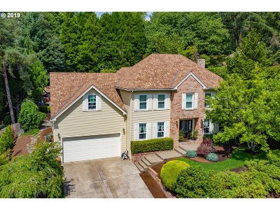 Lake Oswego Single Family Home For Sale: 2927 Tolkien Ln