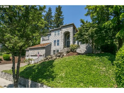 West Linn Single Family Home For Sale: 2428 Remington Dr