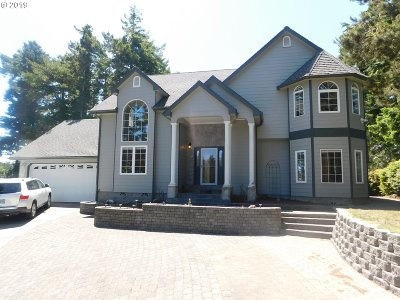 Coos Bay Single Family Home For Sale: 930 Lake Ct