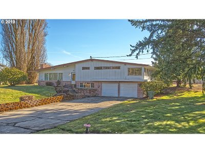 Cowlitz County Single Family Home For Sale: 3304 Westside Hwy #1