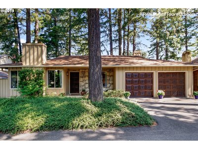 Beaverton Single Family Home For Sale: 13755 SW 27th Ct