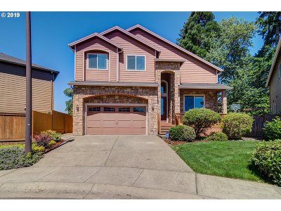 Tigard Single Family Home For Sale: 14845 SW Huntwood Ct