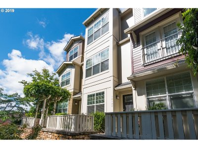 Happy Valley Condo/Townhouse For Sale: 12124 SE High Creek Rd