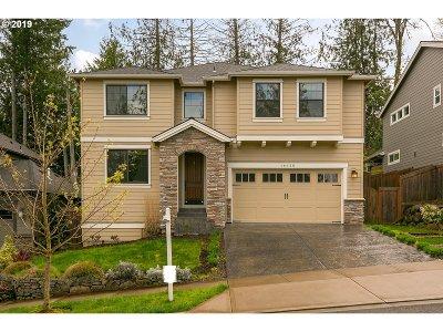 Beaverton Single Family Home For Sale: 16620 SW Moonstone Ln