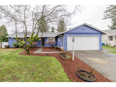 Multnomah County, Clackamas County, Washington County, Clark County, Cowlitz County Single Family Home For Sale: 619 SE 156th Ave